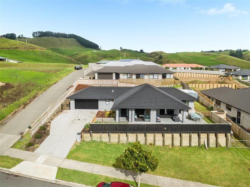 31 Ballintoy Park Drive Welcome Bay NZ
