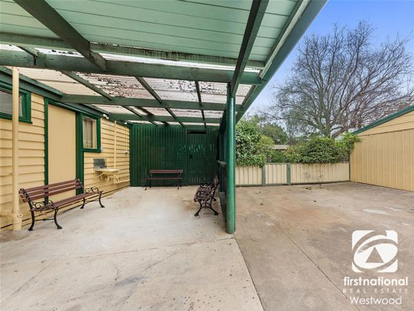 6 Tarneit Road Werribee VIC