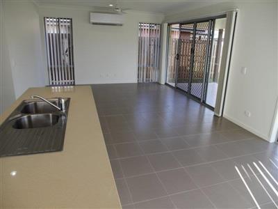 16 Lawson Road Urraween QLD