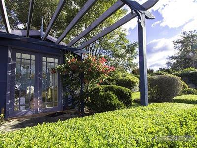 58 Crampton Drive Springwood NSW