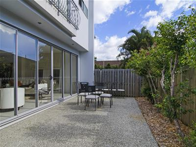 17 Walker Avenue Palm Beach QLD
