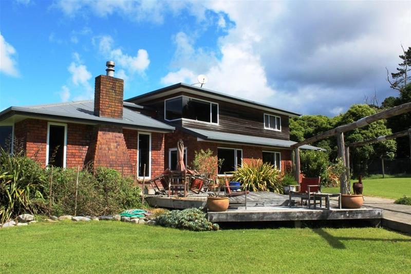 1737 Collingwood-Puponga Main Road Collingwood NZ 7073