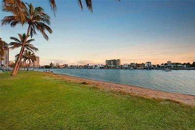 12A  Oak Avenue Surfers Paradise QLD