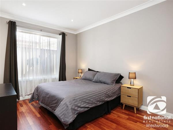 2/6 Havelock Place Wyndham Vale VIC