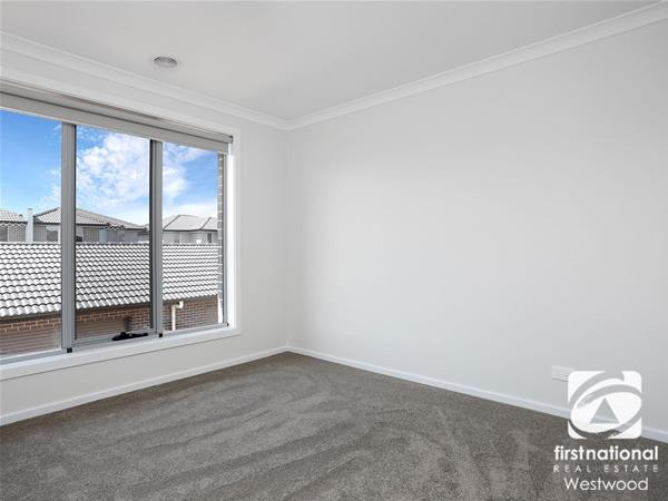 2/76-82 Purchas Street Werribee VIC