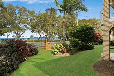 2/161 Welsby Parade Bongaree  Bribie Island QLD
