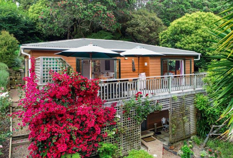 110 Queens Drive Oneroa NZ 1081   First National Real