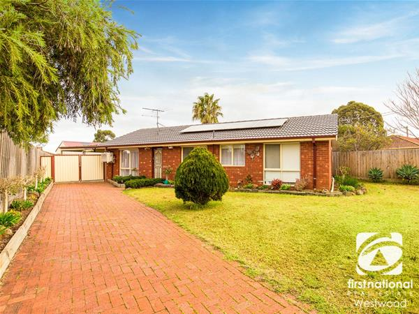 17 Bower Drive Werribee VIC
