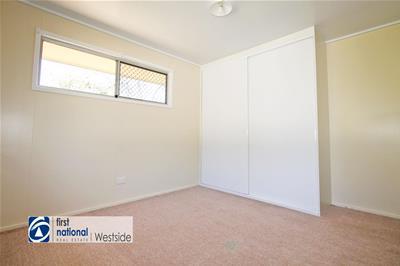 13 Cooneana Street Bundamba QLD