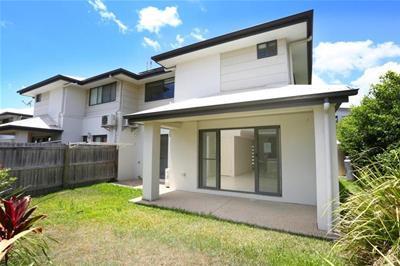 3/12 Gumtree Crescent Upper Coomera QLD